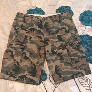 Levi's Camouflage Shorts in 36